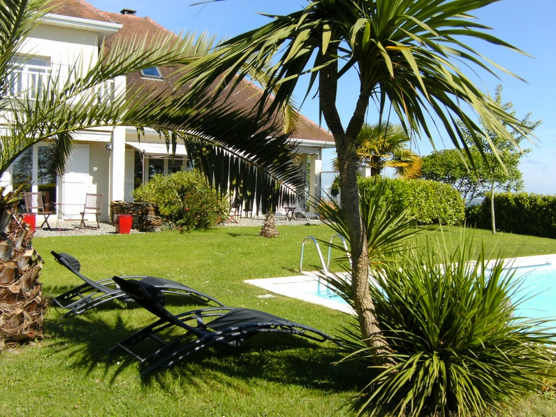 Luxury holiday villa in Salies de Béarn